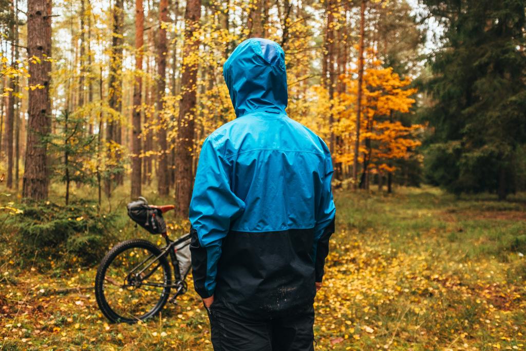bikepacking rain_ acket